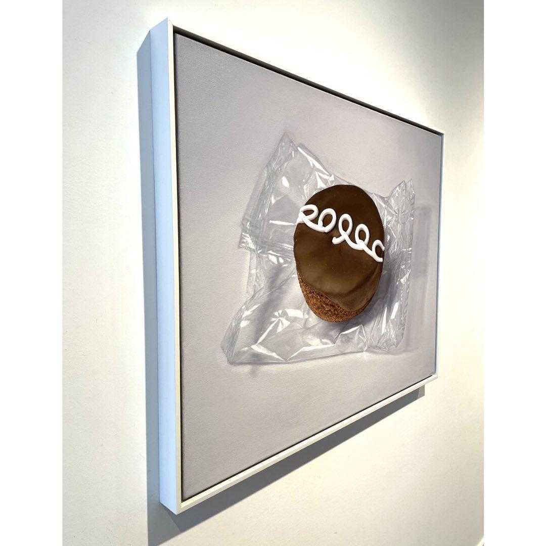 Anselmo-Swan-Hostess-Cupcake-No2-30x38-Online-Art-Galleries-framed-side